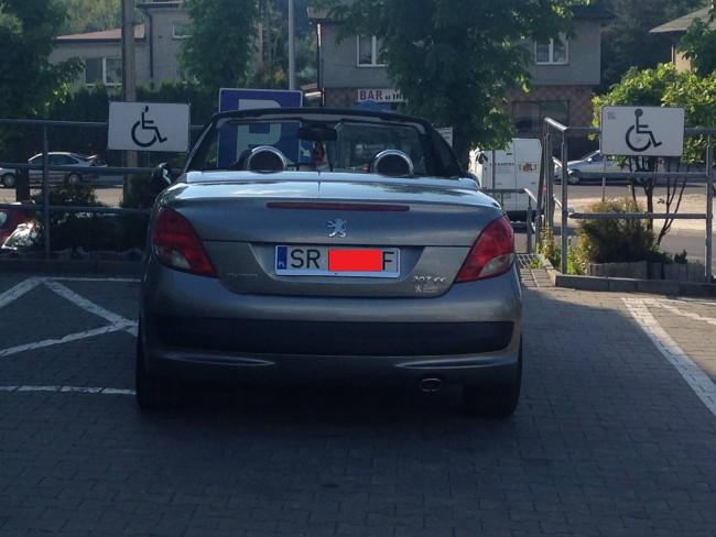 Zablokowane miejsce dla niepełnosprawnych