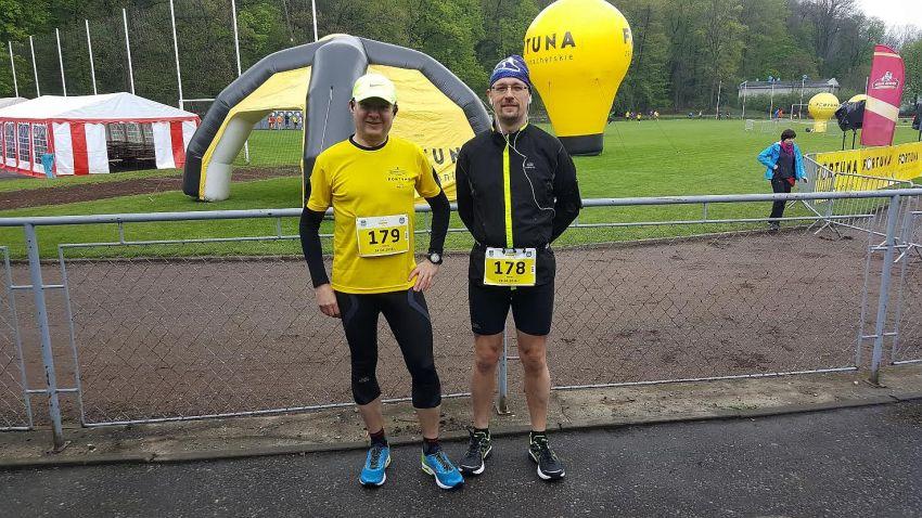 Przed startem Tomek i Paweł Cieszyn Fortuna Bieg