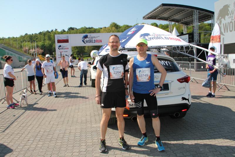 Paweł i Tomek przed startem Wings for Life