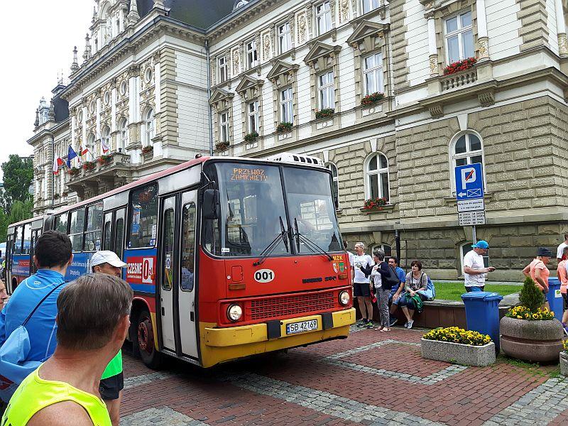 Autobus czerwony