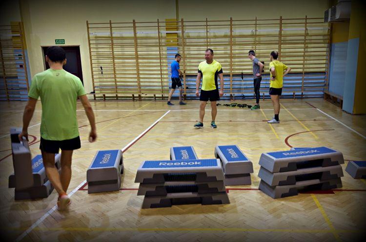 Trening funkcjonalny dla biegaczy z Kamilem w Bushido, Rybnik