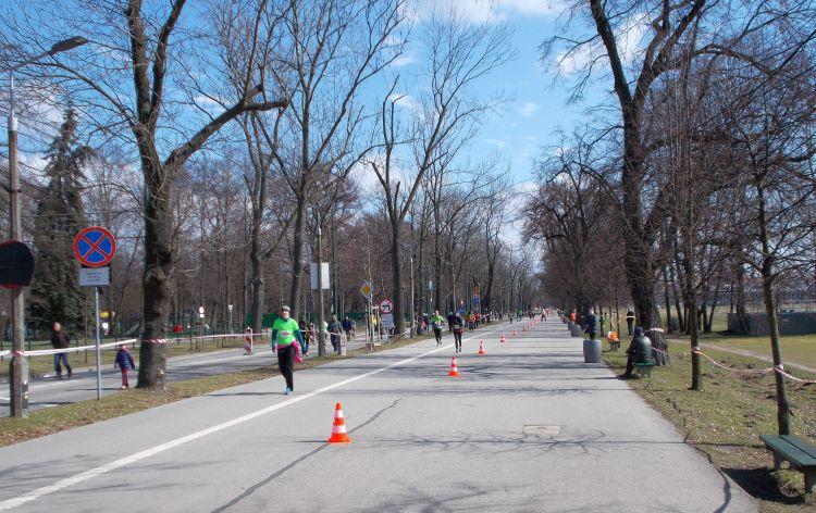 ostatni kilometr Półmaraton Marzanny