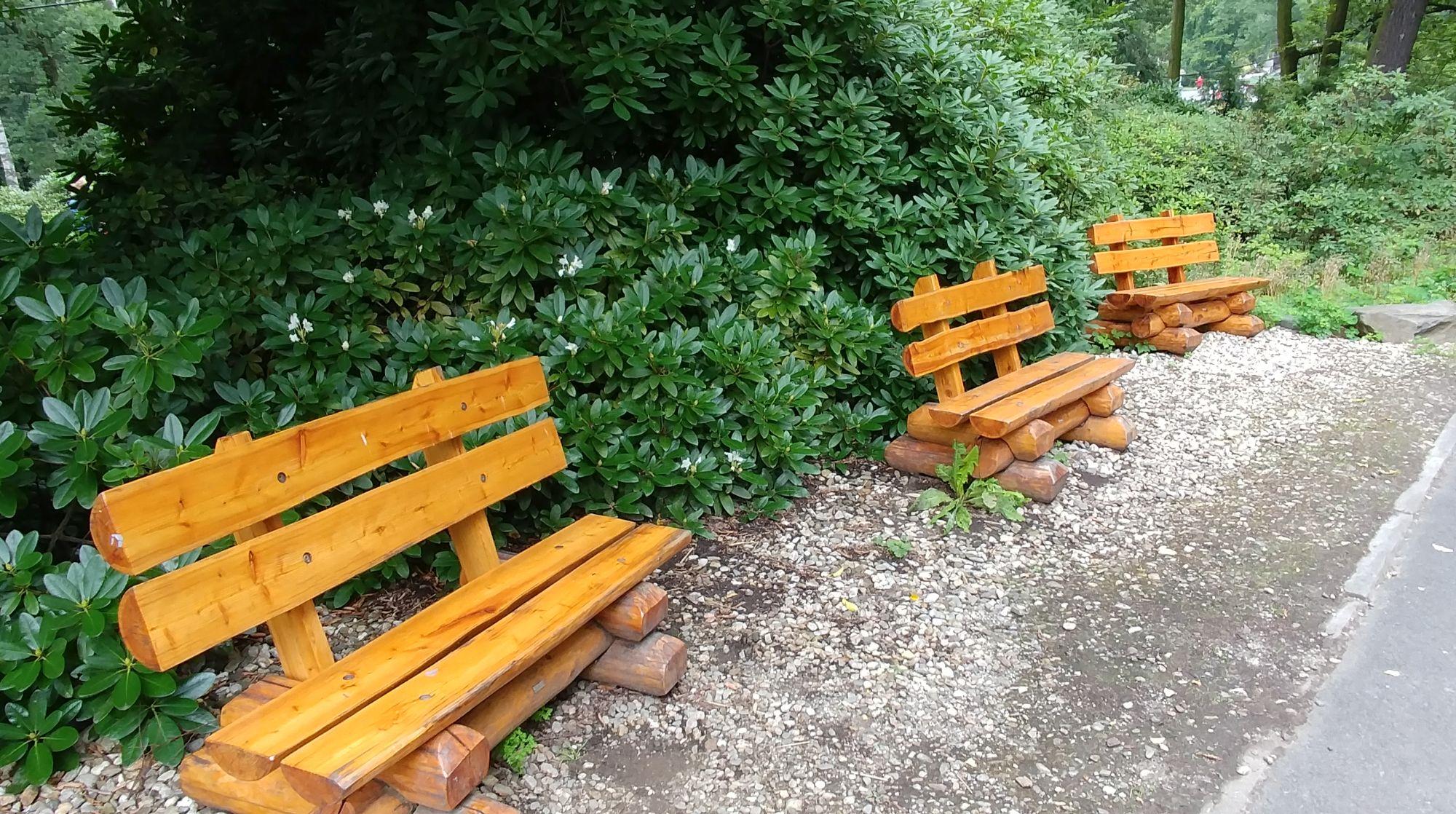 ławeczki do siedzenia ZOO Ostrava