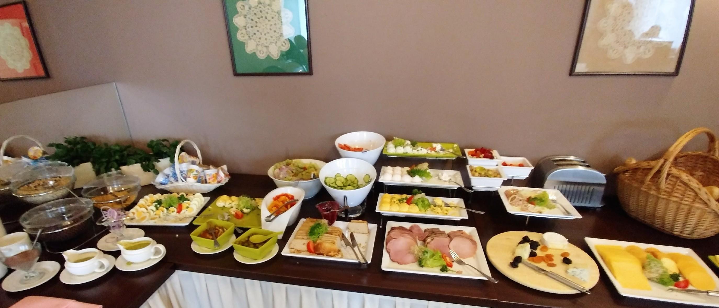 śniadanie w hotelu Wilga