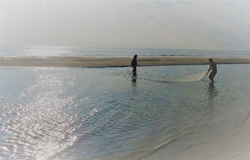 połów ryb i krabów we Włoszech na plaży