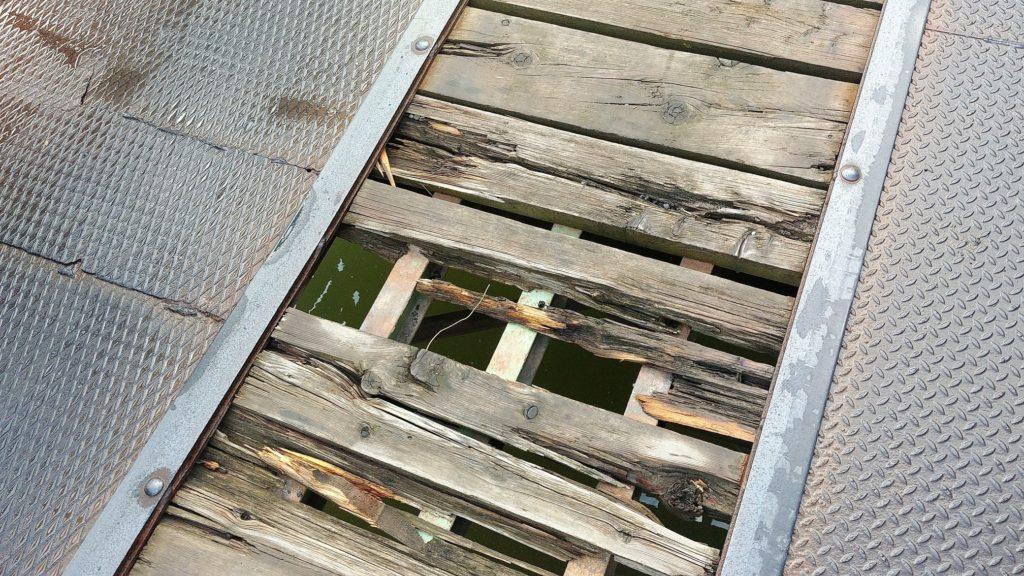 dziura w moście lido do spina